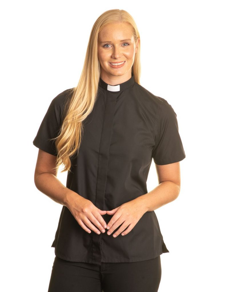 Womens 1 inch tunnel collar short sleeve clerical shirt – black